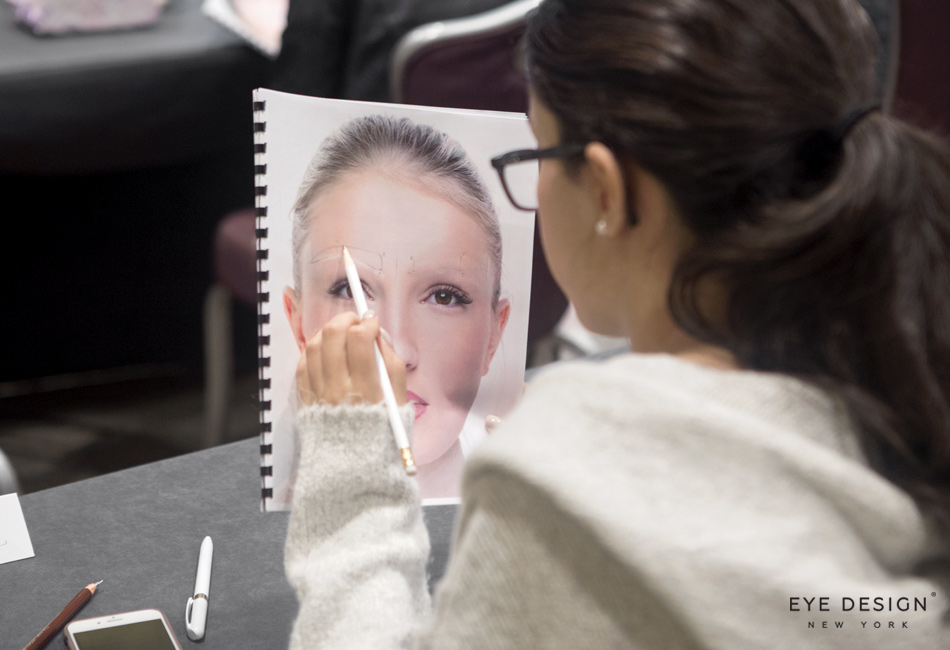 How To Choose The Microblading Course That's Right For You